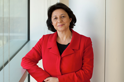 Annamaria Lusardi honoured with 2014 William A. Forbes Public Awareness Award